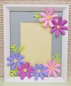 ペーパーデコレーション 花の額を作ります